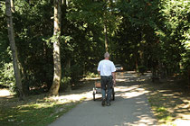 NK_Stadtpark_2013-09-07_031 - Der Hase am Weg zum Streichelzoo.