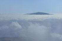 Schneeberg - 25.Oktober 2014_164 - wirken die Wolken und der Nebel auf uns.