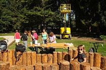 NK_Stadtpark_2013-09-07_021 - Auch vor dem Labyrinth gibt es noch einiges zu tun und...