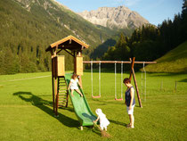 Spielplatz - Familien sind bei uns Herzlich Willkommen