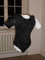 Torso -  2012, alte Kleidung, Zeitungspapier, Kleister