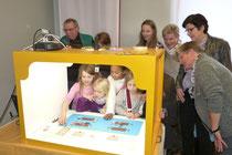 Generationenprojekt- Jung und alt haben Spaß beim gemeinsamen Dreh - Trickfilm in der Familienbildungsstätte Dülmen