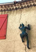 Nicole Brousse -sculptures de taille humaine, dans le village de Biot-renseignement: Galerie Gabel