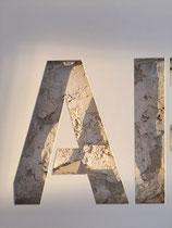 Joseph (Thierry Michelet) finition du métal en thermo-laqué blanc, sublime de pureté.