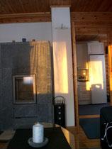 Am Abend schickt die tiefstehende Wintersonne ihre letzten Strahlen direkt ins Wohnzimmer, bevor Sie den Kamin anzünden. Zeit für die abendliche Sauna und Einkuscheln vor dem Kaminofen.