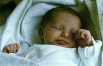Annika gerade geboren - Februar 1990
