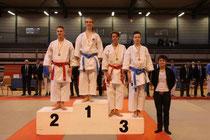 Remise des médailles effectuée par Sandy Scordo, Vice-Championnne du Monde kata 2012
