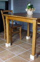 Réhausses amovibles pour les tables de la salle à manger - Les noisetiers chambres d'hôtes au coeur du val de noye