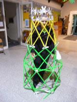 Warka Water Harvester Tower - ok, falsch aufgebaut, ich weiß jetzt, wie es geht, wird geändert. 4DFrame ist zum MINT Tag am 10.03.17 aus Korea angekommen. Pünktlich!