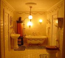 tiled bath with festoon