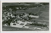 Brauerei im Ansitz HOCHOLTINGEN (später Firmengelände der Biochemie) in Kundl. Bezirk Kufstein, Tirol. Gelatinesilberabzug 9 x 14 cm; Luftaufnahme von 1937.  Inv.-Nr. vu914gs00410