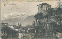 """""""Rovereto - Torrione del Castello (Kaiserjägerkaserne) coll'Altissimo del Monte Baldo"""". Ed(izoni). Coser Carmela, Chiosco Stazione (dat. 1926). Inv.-Nr. vu914ld00131"""