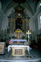 Inneres der Pfarrkirche  St. Petrus und Agnes in Niederolang. Farbdiapositiv 24x36mm; © Johann G. Mairhofer 1998. Inv.-Nr. dc135kn0239.02_0