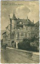 Ristorante Caffè Pensione Mumelter, vormals Villa Clara in Gries (1925 nach Bozen eingemeindet), Fagenstraße 30. Lichtdruck 9 x 14 cm; Impressum: Lorenz Fränzl, Bozen 1939.  Inv.-Nr. vu914ld00283