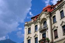 "Ehemalige Pension ""Winter"" am Claudiaplatz im Saggen, Stadt Innsbruck. Farbdiapositiv 24 x 36 mm; © Johann G. Mairhofer 1998.  Inv.-Nr. dc135ag409.2_19"