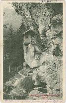 Teehütte in der Mühlauer Klamm, Stadtgemeinde Innsbruck. Lichtdruck 9 x 14 cm; Impressum: Stengel & Co., Dresden 1911.  Inv.-Nr. vu914ld00190