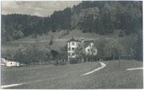 """Gasthof Pension """"Edschlössl """" in Morsbach, Stadtgemeinde Kufstein. Gelatinesilberabzug 9 x 14 cm; Impressum: A(nton). Karg, Kufstein um 1915. Inv.-Nr. vu914gs00405"""