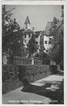 Die Weiherburg in Hötting, Stadtgemeinde Innsbruck, Weiherburggasse Nr. 37 von Westen. Gelatinesilberabzug 9 x 14 cm; Impressum: Verlag Artografia Habernal, Wien VIII., Bennogasse 5, 1925.  Inv.-Nr. vu914gs00493