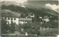 Kinderheim MARGARETINUM in Hötting, Stadtgemeinde Innsbruck. Gelatinesilberabzug 9x14cm; Joh(ann). Papp, Hötting; postalisch gelaufen 1935.  Inv.-Nr. vu914gs00541