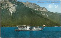 """Dampfschiff """"St. Joseph"""" der Achensee-Schifffahrt auf Rundfahrt. Photochromdruck 9 x 14 cm; Impressum: Robert Warger, Innsbruck 1912.  Inv.-Nr. vu914pcd00291"""