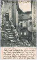 Im Hof von Burg TAUERS in Sand. Lichtdruck 9x14cm; Stengel & Co., Dresden und Berlin; postalisch gelaufen 1904.  Inv.-Nr. vu914ld00089