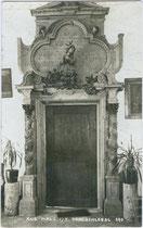 Innenportal zum Speisesaal vom Thöml-Schlössl in Schönegg, Stadtgemeinde Hall, Mitterweg 8. Gelatinesilberabzug 9 x 14 cm; Impressum: A(lfred). Stockhammer, Hall in Tirol 1914.  Inv.-Nr. vu914gs00355