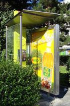 Telefonzelle der Telekom Austria AG in der Prinz-Eugen-Straße im Pradler Saggen, Innsbruck-Pradl. Digitalphoto; © Johann G. Mairhofer 2011.  Inv.-Nr. 1DSC01687