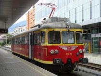 Triebwagen ET10.104 der Montafonerbahn in der Zielstation Innsbruck Hbf nach Sonderfahrt auf der Strecke der Arlbergbahn am 22. September 2012. Digitalphoto; © Johann G. Mairhofer 2012.  Inv.-Nr. 1DSC04836