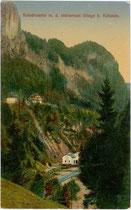 """Kraftwerksanlage """"Kaiserwerke"""" (Betreiber heute: Tiroler Wasserkraftwerke AG) an der Weißache bei Söll, Bezirk Kufstein, Tirol. Farblichtdruck 9 x 14 cm; Impressum: Verlag Rudolf Berger, Wörgl um 1910.  Inv.-Nr. vu914fld00043"""