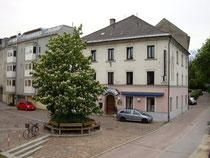 "Pension ""Bistro's"" in Pradl (Stadtgemeinde Innsbruck), Pradler Straße 2 bei der Pradler Brücke. Digitalphoto; © Johann G. Mairhofer 2012.  Inv.-Nr. 1DSC03337"