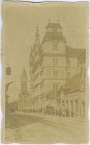 Hauptpostamt der k.k. Post- und Telegraphenverwaltung in Innsbruck- Innere Stadt, Maximilianstraße 2. Gelatinesilberabzug 9 x 14 cm ohne Impressum, postalisch befördert 1919.  Inv.-Nr. vu914gs00550