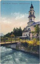 Pfarrkirche Mariä Geburt (18. Jh.) an der Brenta in Borgo, Ger.bzk. und Bzk. Borgo, Gef. Grafsch. Tirol (1868-1919); heute Comunità Valsugana e Tesino (C03), Prov. Trient. Photochromdruck 9 x 14 cm; Joh. F. Amonn, Bozen 1920.  Inv.-Nr. vu914pcd00369