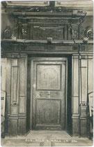 Kassettentür im Ansitz SCHNEEBURG in Mils bei Hall. Gelatinesilberabzug 9x14cm; A(lfred). Stockhammer, Hall in Tirol 1909.  Inv.-Nr. vu914gs00357