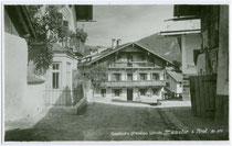 Gasthof Pension SCHATZ in Münster, Bezirk Kufstein, Tirol  um 1935. Gelatinesilberabzug 9x14cm; kein Impressumsvermerk.  Inv.-Nr. vu914gs00229