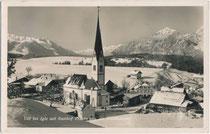 """Vill - 1942 nach Innsbruck eingemeindet worden - an der Igler Straße mit Pfarrkirche zum Hl. Martin und Gasthof """"zur Traube"""" von Südosten. Gelatinesilberabzug 9 x 14 cm ohne Urhebernachweis, um 1935.  Inv.-Nr. vu914gs01173"""