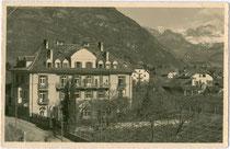 """Albergo - Pensione e Ristorante """"Guncina"""" (vormals """"Guntschna"""", nachmals """"Flora"""") in Gries (1925 nach Bozen eingemeindet). Gelatinesilberabzug 9 x 14 cm; Impressum: Ed. Stab. Fot. Lor(enz). Fränzl, Bolzano (Bozen) um 1925.  Inv.-Nr.  vu914gs00569"""