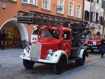 "DL 17 (Drehleiter 17m) Mercedes L 1500 S Bj. 1943 a.D. der Freiw. Feuerwehr Wörgl beim Corso ""140 J. Tir. Feuerwehrverband"" in Innsbruck. Digitalphoto; © Johann G. Mairhofer 2012. Inv.-Nr. DSC05316"
