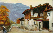 Bauernhaus, wohl ein Obsthof in Morter, Gemeinde Latsch im Vinschgau, Südtirol. Photochromdruck 9 x 14 cm; Impressum: Verlag D & N ohne Ortsangabe um 1905, postalisch befördert 1921.  Inv.-Nr. vu914pcd00273
