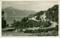 Große Kurve der Höhenstraße in Innsbruck von Hötting auf das Hungerburgplateau, u.a. 1947 Austragungsort eines Bergrennens für Motorräder. Gelatinesilberabzug 9 x 14 cm; Impressum: F. G. J. (?), postalisch befördert 1935.  Inv.-Nr. vu914gs01102