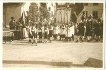 """Fronleichnam Tarrenz"". Gelatinesilberabzug 6 x 9 cm; Privatphoto um 1925.  Inv.-Nr. vu609gs00025"
