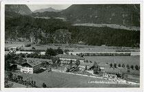 Jagdschloss THURNECK in Rotholz, Gemeinde Strass im Zillertal von Süden. Gelatinesilberabzug 9x14cm; Foto-Verlag Oskar Kreibich, Schwaz; postalisch gelaufen 1940.  Inv.-Nr. vu914gs00419