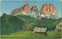 Langkofelgruppe in den Dolomiten von Südosten. Photochromdruck 9 x 14 cm; Impressum: Lorenz Fränzl, München um 1910.  Inv.-Nr.  vu914pcd00269