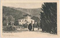 Villa Waiz, heute Hotel Garni in Roncegno im Val Sugana (Provinz Trient), Piazza Achille de Giovanni. Heliogravüre 9 x 14 cm; Impressum: C. Montibeller o.O. um 1910.  Inv.-Nr. vu914hg00060