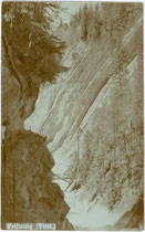 "Die ""Kaiserklamm"", benannt nach Kaiser Franz Joseph I. (1830-1916) mit der Brandenberger Ache, Bezirk Kufstein, Tirol. Gelatinesilberabzug 9 x 14 cm; Robert Armütter, Rattenberg um 1905.  Inv.-Nr. vu914gs00573"