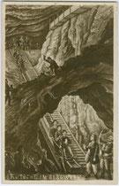 """""""Rutsche im Bergwerk"""" sowie bergmännische Kleidung und Arbeitsverrichtungen (Souvenirbild). Gelatinesilberabzug 9 x 14 cm, wohl Reproduktionsaufnahme eines polychromen Originals eines unbekannten Illustrators.  Inv.-Nr. Vu914gs01167"""