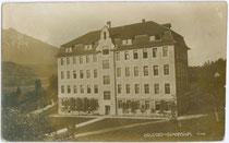 Gymnasium des Servitenklosters in Volders um 1900. Gelatinesilberabzug 9x14cm; kein Impressum.  Inv.-Nr. vu914gs00093