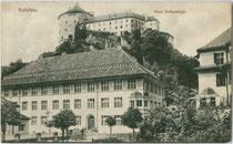 Neue Volksschule in Kufstein, Kinkstraße 3 (1912 im Jugenstil errichtet). Lichtdruck 9 x 14 cm; Impressum: Vereinigter Kunstverlag Ed. Lippott u. A. Karg, Kufstein 1917.  Inv.-Nr. vu914ld00208