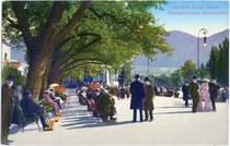 Giselapromenade in Meran, benannt nach GiselaLouise Marie Erzherzogin von Österreich, Prinzessin von Bayern (heute: Passerpromenade). Photochromdruck 9 x 14 cm; Impressum: Lorenz Fränzl, Bozen um 1910.  Inv.-Nr. vu914pcd000092