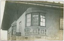 Haus von Hutmacher Karl Pokupec in der Fuxmagengasse in Hall i.T. Gelatinesilberabzug 9x14cm; A(lfred). Stockhammer, Hall i.T. 1909.  Inv.-Nr. vu914gs00243