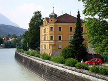 Zinsvilla im Stil der Neorenaissance an der linksufrigen Innpromenade in Zell, Stadtgemeinde Kufstein. Digitalphoto; © Johann G. Mairhofer 2013.  Inv.-Nr. 1DSC07145